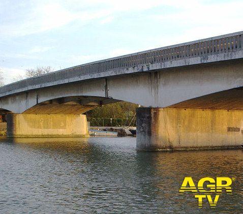 Il nuovo ponte della Scafa fa discutere, a cosa serve se il vecchio ponte resterà al suo posto?