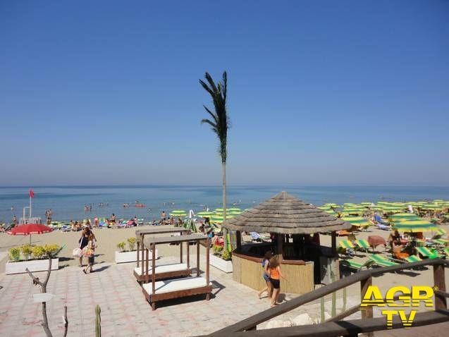Mare, in calo in tutt'Italia le presenze in spiaggia