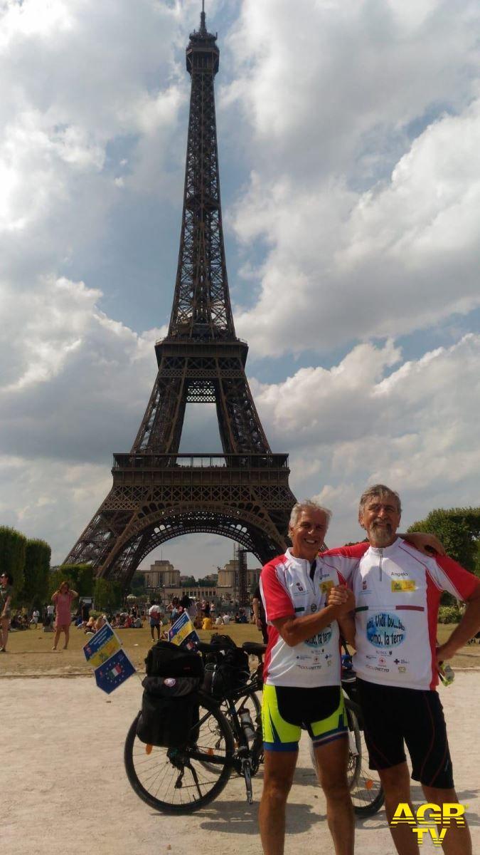 Da Ostia a Parigi in bici, i protagonisti in Municipio