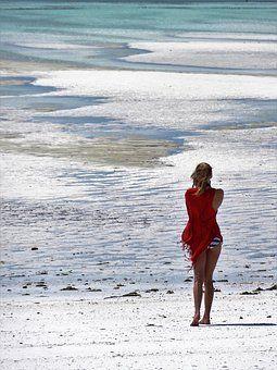 Ostia, al porto il convegno: La donna ed il mare...non vogliamo affogare nella plastica