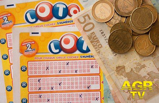 Ostia, vinti 75 mila euro con il SuperEnalotto