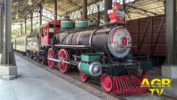 Roma-Castelgandolfo in treno storico, riparte l'avventura