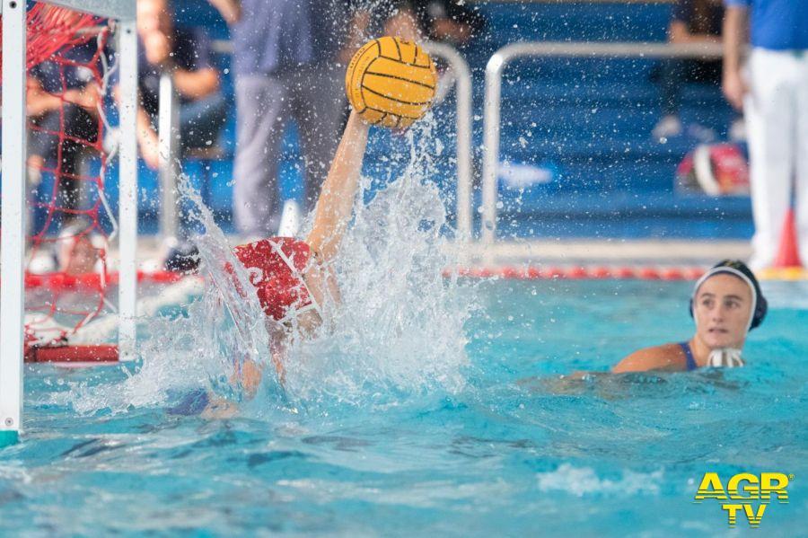 Ostia, lo sport entra in vasca....contro il bullismo