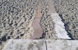 Ostia, cosa succede alla spiaggia degli sposi...?