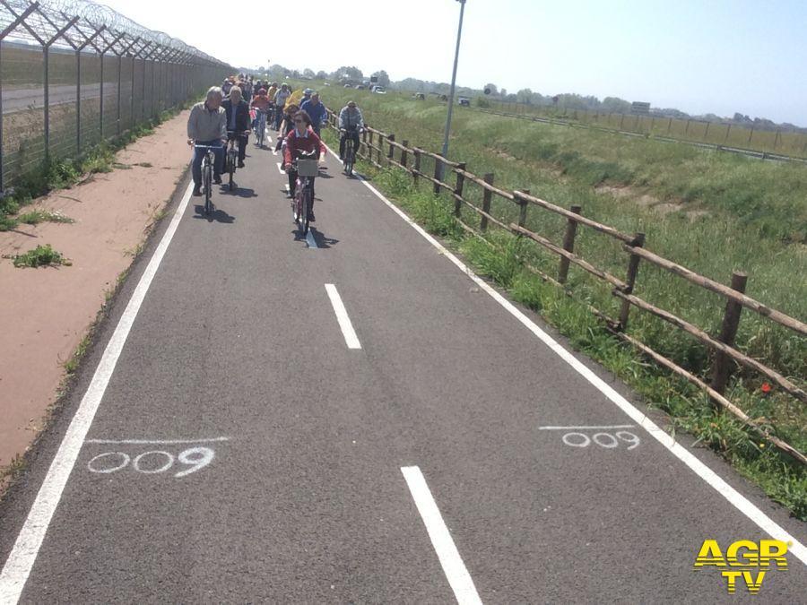 Da Roma a Fiumicino in bici lungo l'argine del Tevere