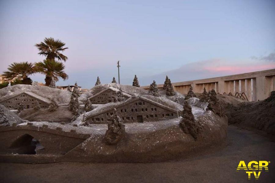 Ostia, sul pontile una scultura di sabbia dal sapore Natalizio