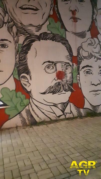 Ostia, deturpato il murales di Lido Nord