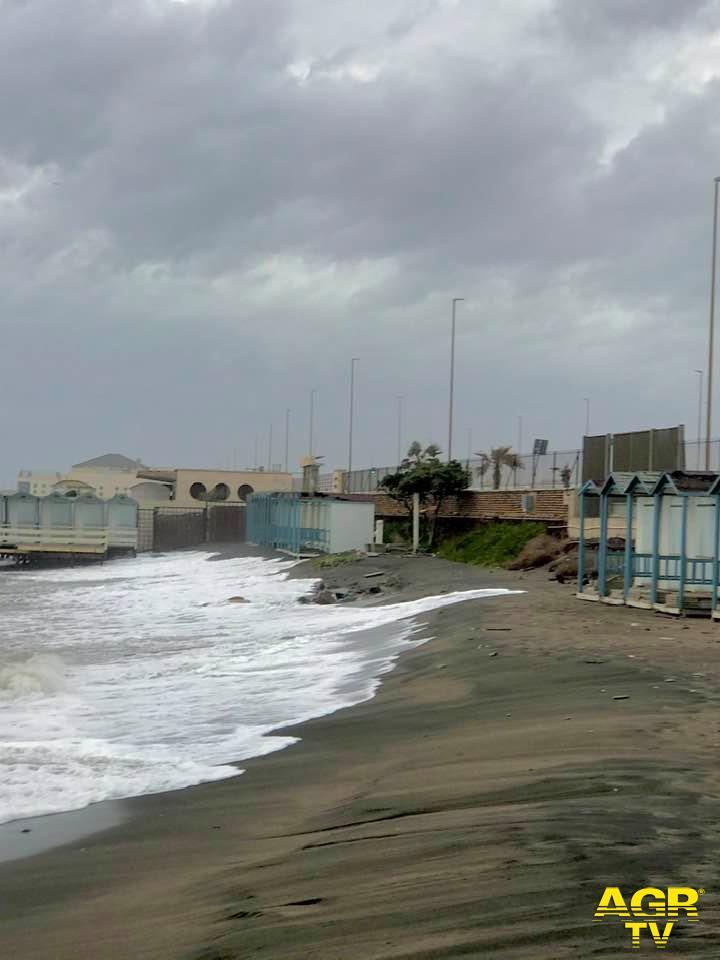 Ostia&Fiumicino, il mare avanza