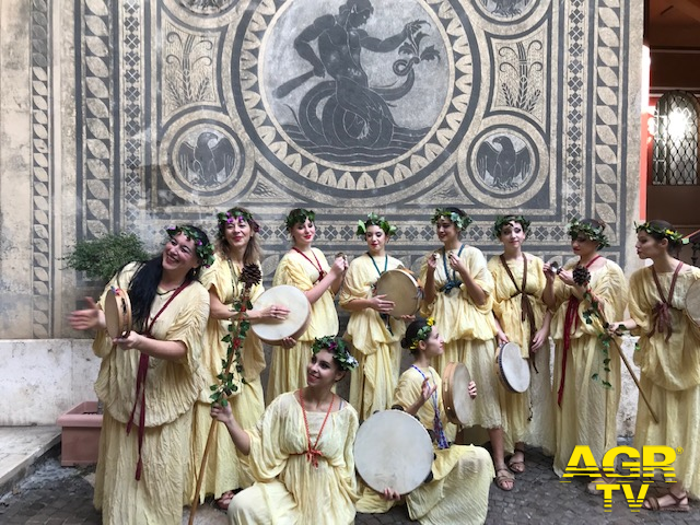 Ostia, danze e riti nell'Antica Roma al chiostro