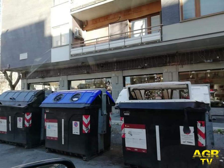 Ostia, scontro politico sui rifiuti
