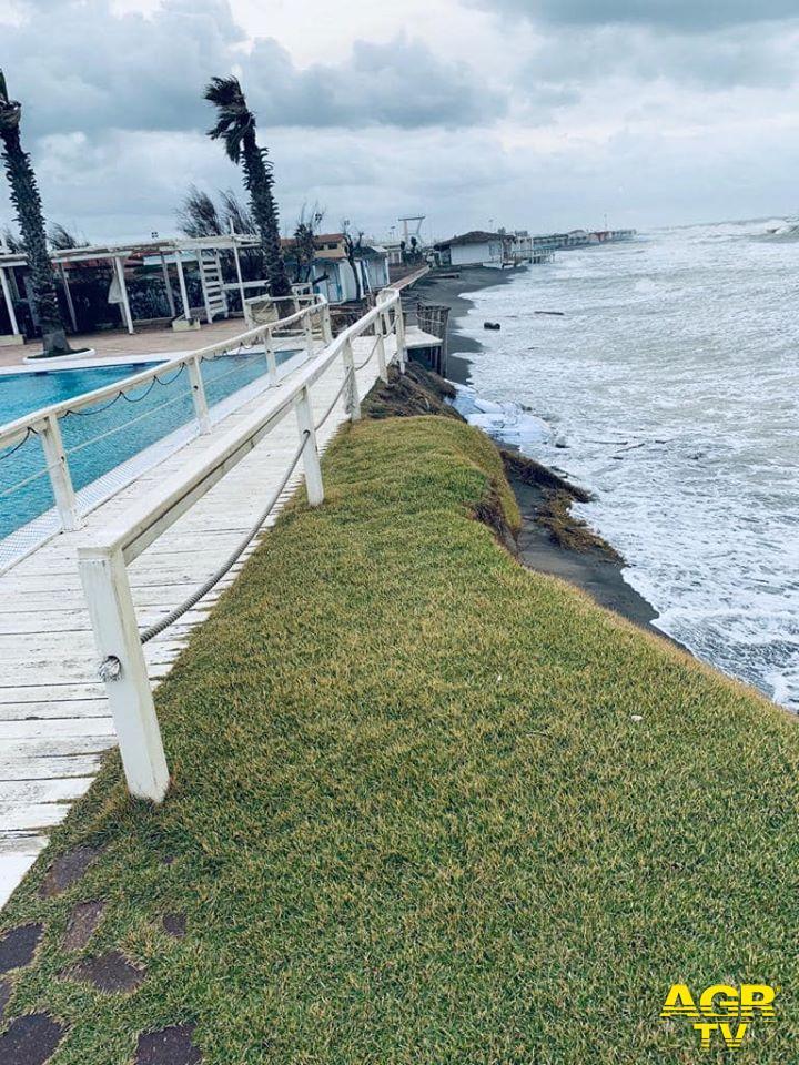 piscina nuova pineta in bilico sul mare