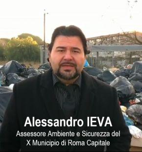 AXA: Via Pindaro, situazione allarmante per la quantità di rifiuti gettati su area privata
