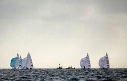 HEMPEL WORLD CUP SERIES MIAMI, regate dei 470 annullate causa piovaschi e vento troppo leggero e irregolare