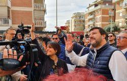 Ostia, torna Salvini a raccogliere il grido di dolore che arriva dalle case popolari