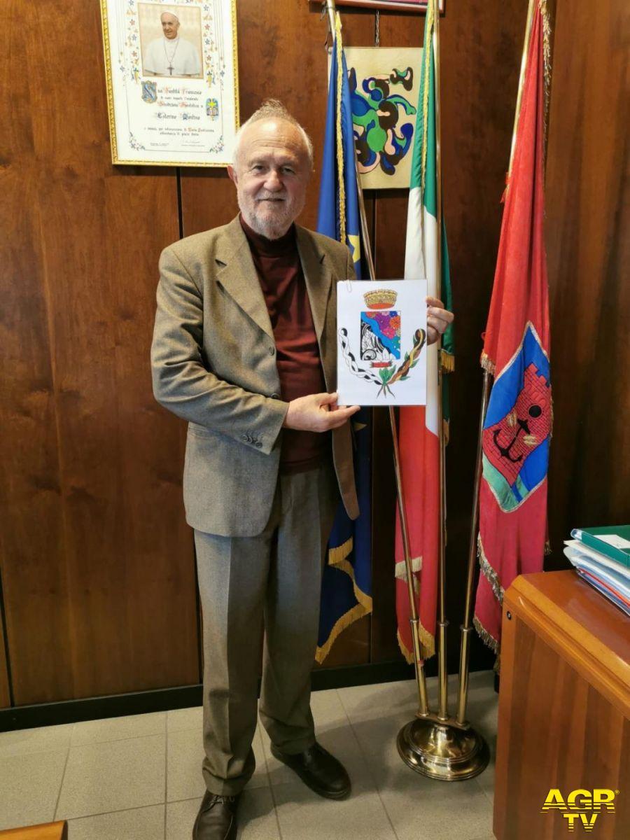Il sindaco Montino presenta nuovo logo Isola Sacra