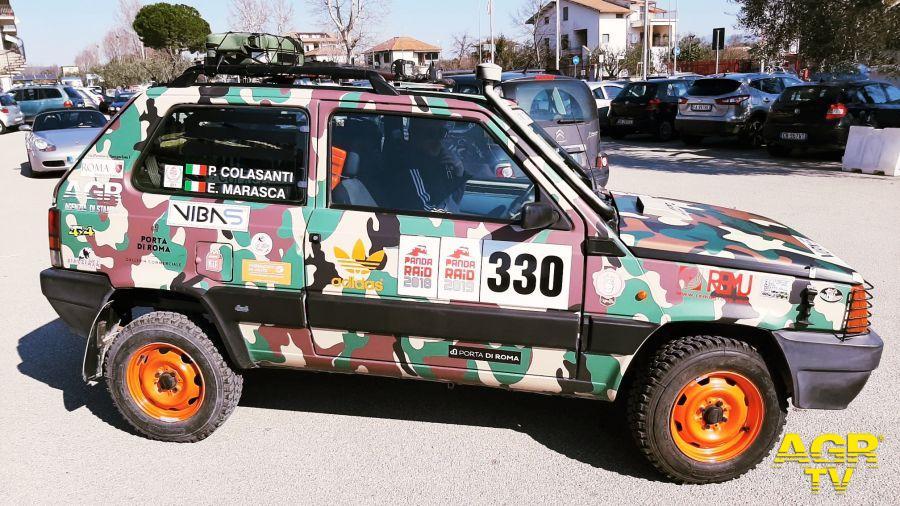 La vettura numero 330 del Team xxx Zero in partenza