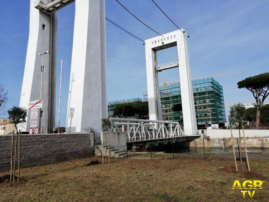 Fiumicino, dossi su via del Faro per limitare la velocità