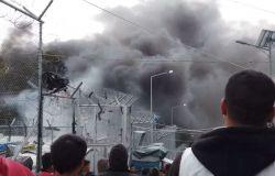 Lesbo, Nuovo incendio nel campo di Moria, morto un bambino