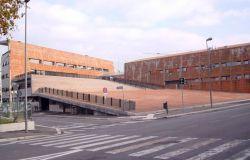 Fiumicino, all'esterno della sala Consiliare sit-in dei lavoratori Alitalia per seguire il Consiglio straordinario