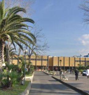 Ostia, al Grassi cede il controsoffitto di cardiologia, i Cobas: urge monitoraggio ospedale