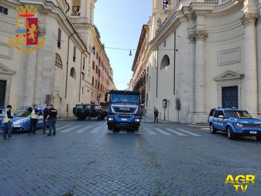 polizia sanificazione centro città
