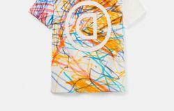 Una maglietta solidale di Desigual mette in mostra il lato creativo dell'autismo