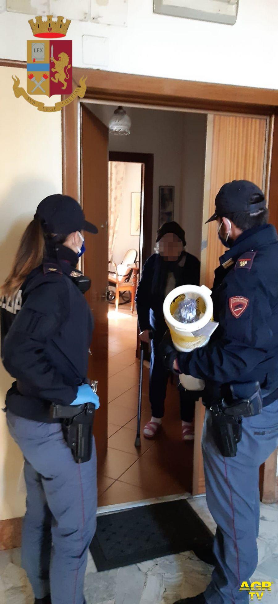 Resta senza ossigeno, la polizia gli consegna la bombola a casa