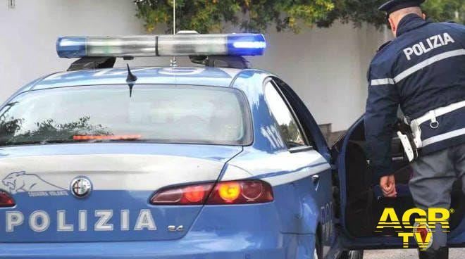 Roma, minaccia di incendiare la macchina alla compagna, arrestato