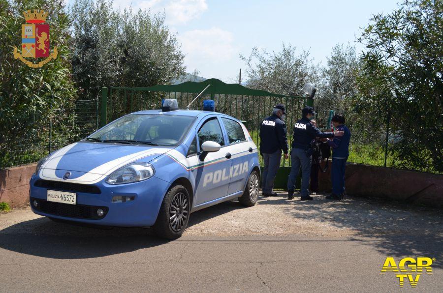 Roma, rapinatore con tuta antipioggia, arrestato a San Basilio