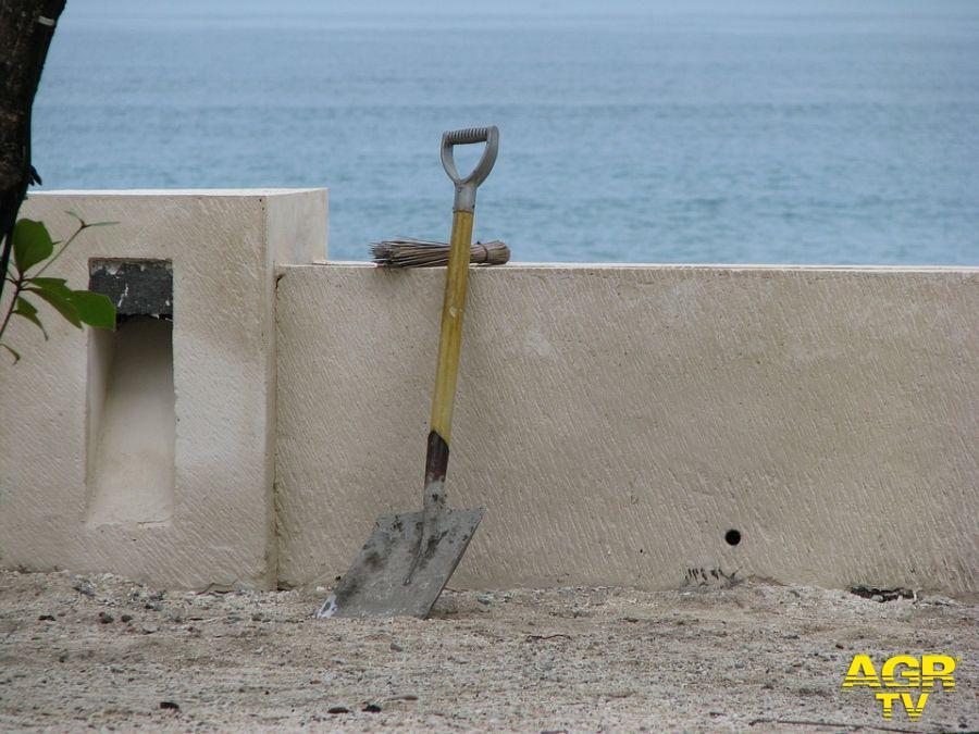 Ostia, manutenzioni anomale in uno stabilimento balneare? via ai controlli della Guardia Costiera