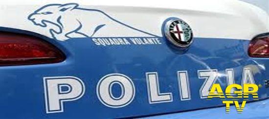 la Polizia di Stato arresta 2 pusher e sequestra quasi 1 chilo di droga tra cocaina, hashish e marijuana