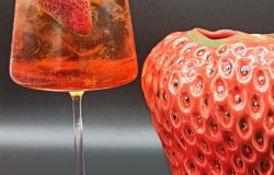 Fragola, la regina di cocktail freschi e gustosi