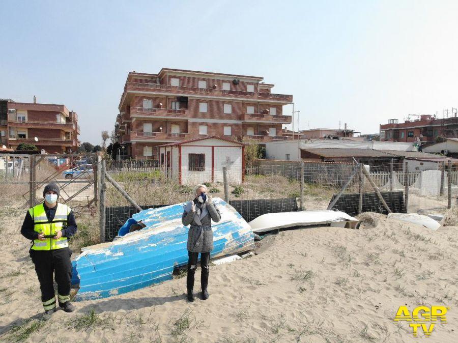 il drone dei vigili urbani che volerà anche domani sulle spiagge