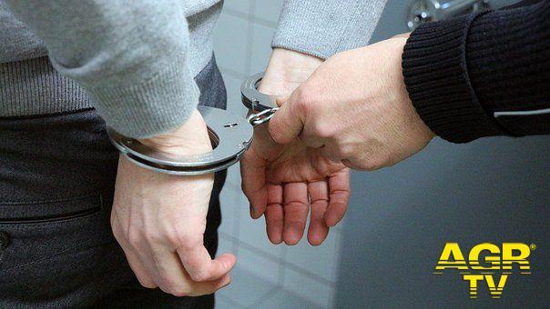 Roma, una coltellata al polmone, la polizia arresta un romeno