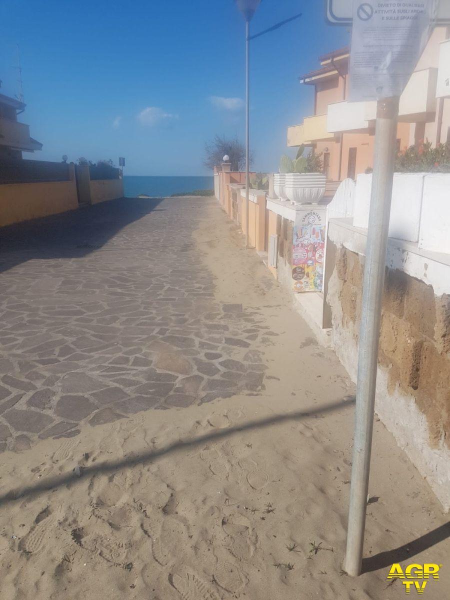spiaggia torvajanica accessi