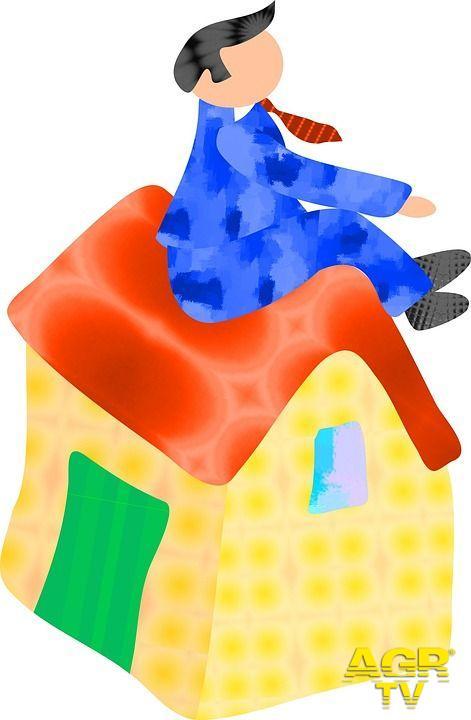 Ostia, alloggi occupati, atto intollerabile o necessità sociale?