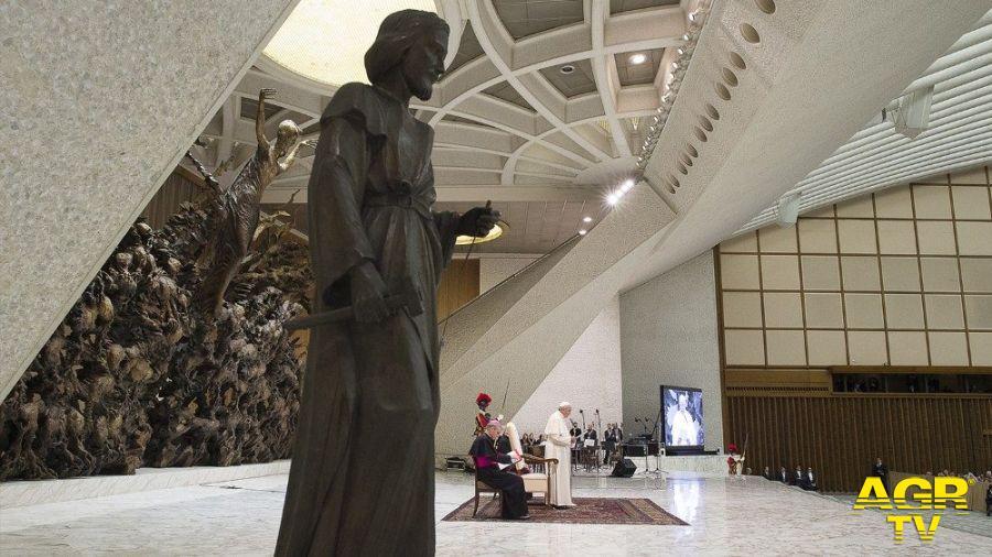 Il Papa: prima vocazione dell'uomo è lavorare