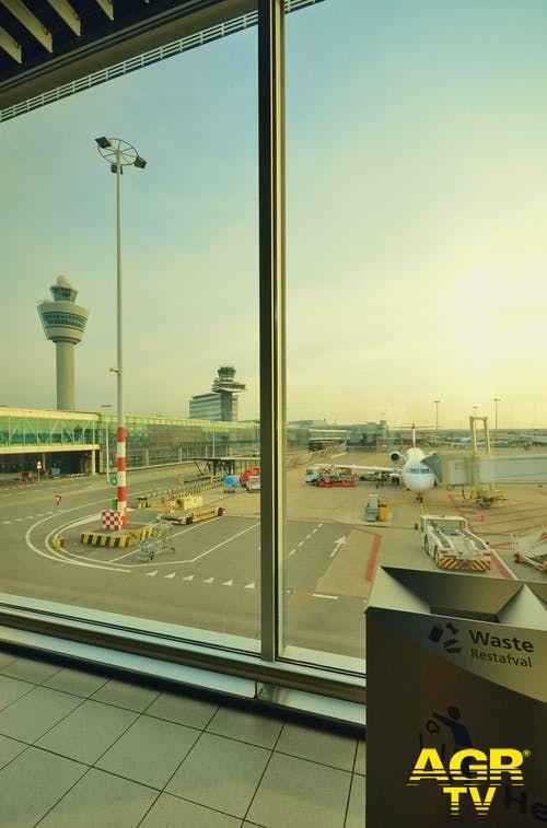 Amazon, per il centro-logistico una corsia preferenziale per ex-dipendenti della filiera dell'aeroporto