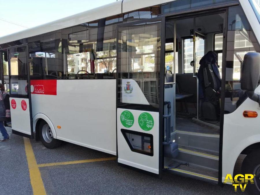 i nuovi bus di Fiumicino linea trotta