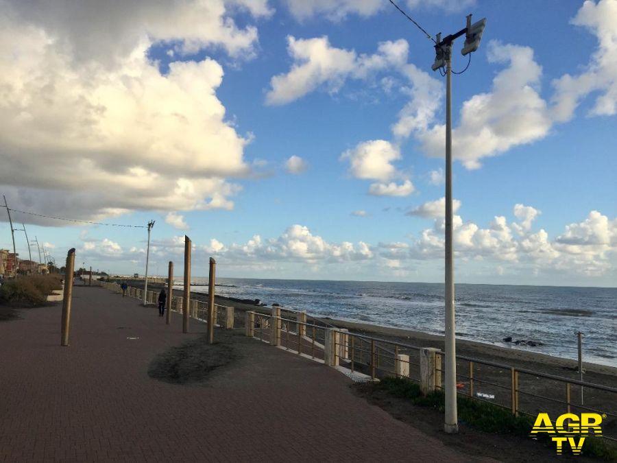 Ostia, prioritario riaprire le spiagge in sicurezza