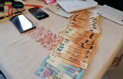 soldi e cellulari sequestrati