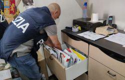 Polizia: operazione Mosaico 2, sgominato hub di documenti falsi
