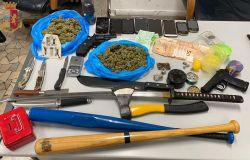 Droga, armi bianche e libri sul nazismo, arrestato tifoso giallorosso