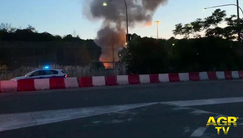 incendio deposito atac via candiani
