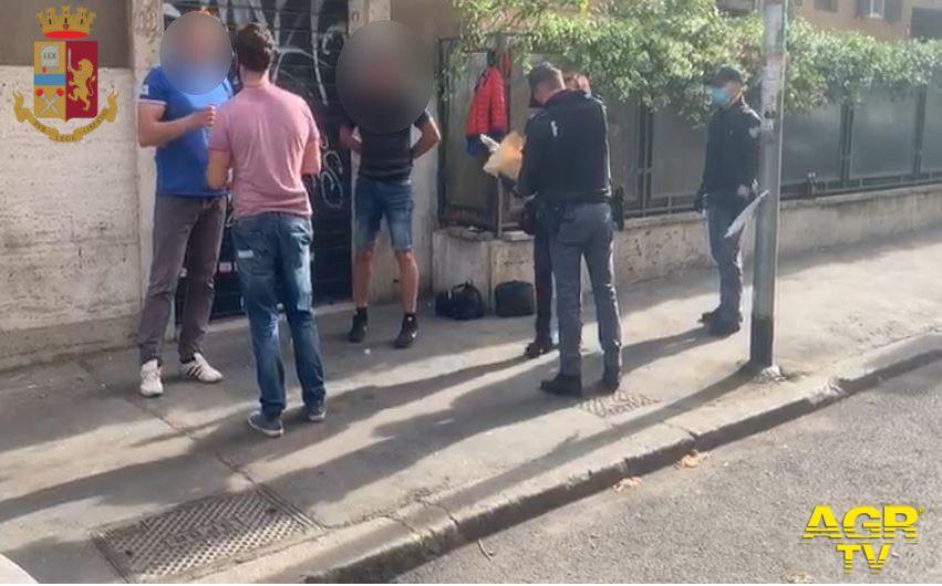 Polizia, controlli nelle stazioni e posti di blocco