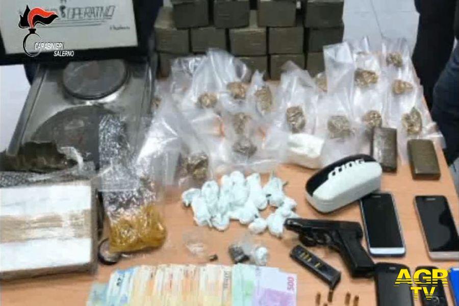 """Operazione """"Prestigio"""". Arrestate 38 persone per traffico e spaccio di droga ed armi"""