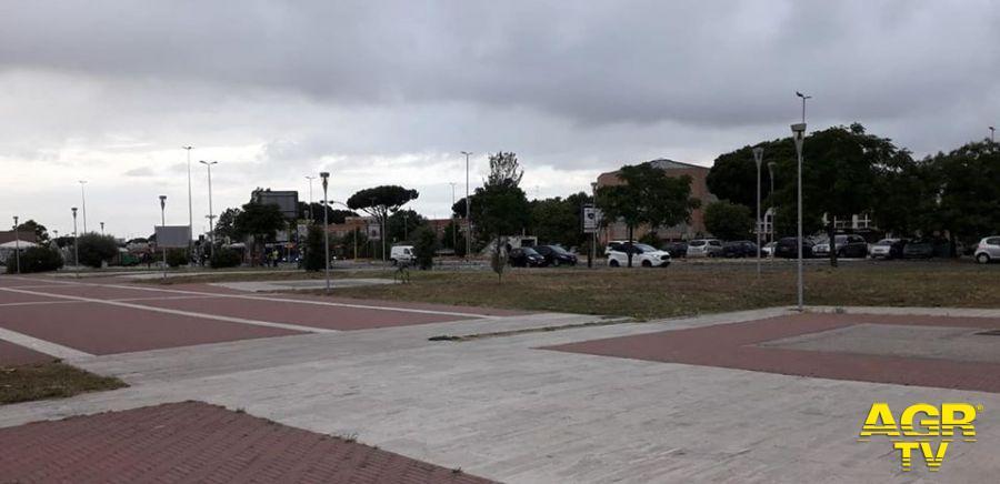 Municipio X, Operazione decoro, davanti alle stazioni di Acilia e Ostia Antica