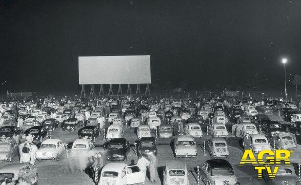 Drive-in di Roma tra Casal Palocco e Axa, venne inaugurato il 29 agosto 1957