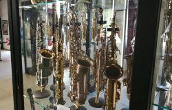 Maccarese, visita guidata al museo del Sassofono...accompagnata dal piano