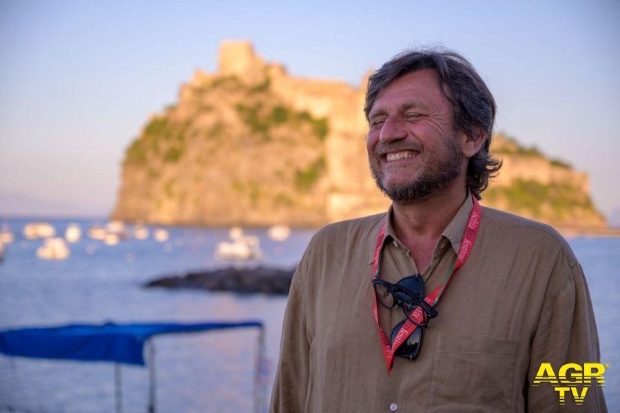 """Il regista Carlo Luglio, ospite all'Ischia Film Festival con il suo film """"Il ladro di cardellini"""""""